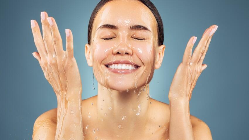 préparation-lavage-visage-femme